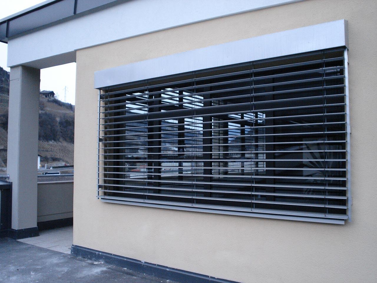 F r b ro und wohnung luca rigotti - Frangisole esterni per finestre ...